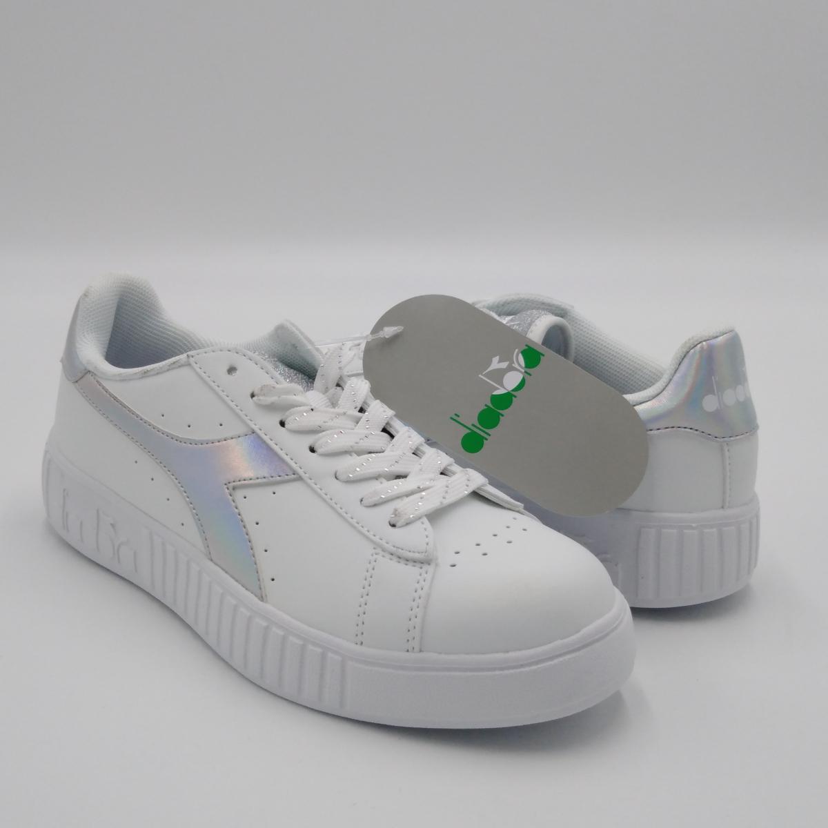 Diadora Game Step Shiny, bianca e argento,suola platform in gomma,