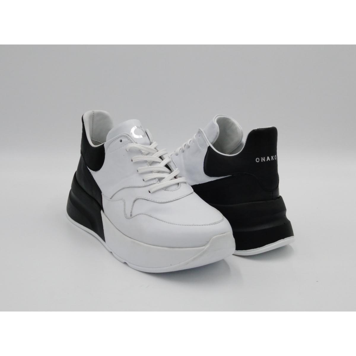 Onakò -Sneaker bianco nera...
